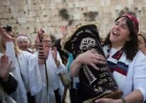 Susan Sliverman with Torah 22 Apr 2015